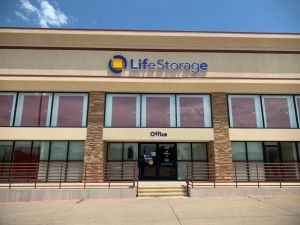 Image of Life Storage - Carrollton - 2515 East Rosemeade Parkway Facility on 2515 East Rosemeade Parkway  in Carrollton, TX - View 2