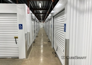 CubeSmart Self Storage - IN Hammond Columbia Ave - Photo 7
