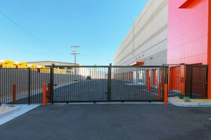 Public Storage - North Hollywood - 12610 Raymer Street - Photo 4