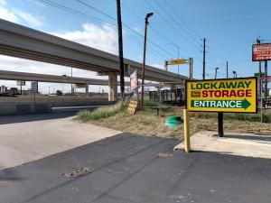 Image of Lockaway Storage - Northwest Facility on 5601 Northwest Loop 410  in San Antonio, TX - View 2
