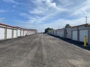 Image of Independence Royal State Storage Facility at 16400 East US Highway 24  Independence, MO