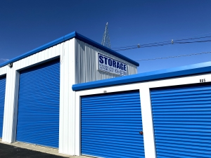 Image of Sterling Storage - 707 Warwick Road, Hi Nella, NJ 08083 Facility on 707 Warwick Road  in Hi-nella, NJ - View 3