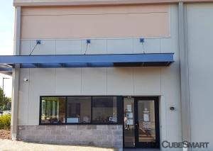 Image of CubeSmart Self Storage - WI Oak Creek Drexel Avenue Facility on 275 East Drexel Avenue  in Oak Creek, WI - View 3