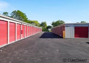 Image of CubeSmart Self Storage - WI Oak Creek Drexel Avenue Facility on 275 East Drexel Avenue  in Oak Creek, WI - View 4