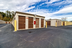 Image of Lafayette Parkway Self Storage Facility on 1385 Lafayette Parkway  in Lagrange, GA - View 4