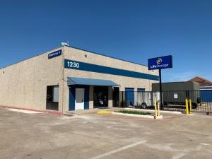 Image of Life Storage - Plano - 1230 Shiloh Road Facility on 1230 Shiloh Road  in Plano, TX - View 2