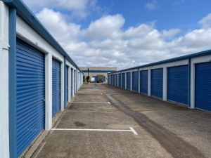 Image of Life Storage - Plano - 1230 Shiloh Road Facility on 1230 Shiloh Road  in Plano, TX - View 3