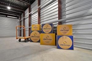 Image of Life Storage - San Antonio - 1062 Northeast Interstate 410 Loop Facility on 1062 Northeast Interstate 410 Loop  in San Antonio, TX - View 2