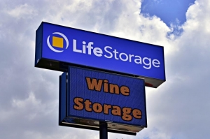 Image of Life Storage - San Antonio - 1062 Northeast Interstate 410 Loop Facility on 1062 Northeast Interstate 410 Loop  in San Antonio, TX - View 3