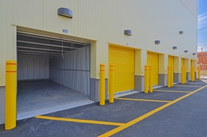 Safeguard Self Storage - Plainview - Photo 4