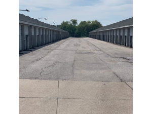 Image of Old Mill Self Storage - 120th & Blondo Facility on 1620 Papillion Parkway  in Omaha, NE - View 4