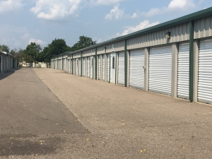 Image of Devon Self Storage-DEA Facility on 6123 Eastern Avenue Southeast  in Grand Rapids, MI - View 4