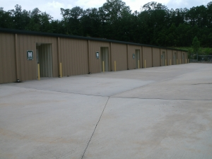 Image of World Self Storage Facility on 1549 Russell Parkway  in Warner Robins, GA - View 3