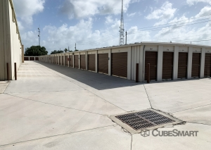 CubeSmart Self Storage - FL Palm City SW Martin Downs Blvd - Photo 4