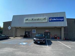 Image of Life Storage - Amsterdam - 4786 New York 30 Facility at 4786 New York 30  Amsterdam, NY