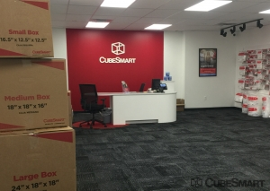 Image of CubeSmart Self Storage - MO St Louis Kingshighway Blvd Facility on 3181 South Kingshighway Boulevard  in St. Louis, MO - View 2