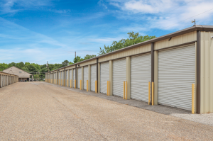 Image of FreeUp Storage Tyler Shiloh Road Facility on 2707 Shiloh Road  in Tyler, TX - View 2