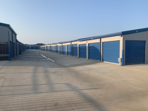 Clean Space Storage - Photo 9