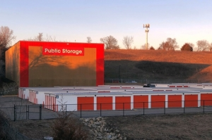 Image of Public Storage - Inver Grove Heights - 9735 S Robert Trail Facility on 9735 S Robert Trail  in Inver Grove Heights, MN - View 2