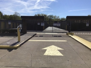 Life Storage - Louisville - 5215 Dixie Highway - Photo 8