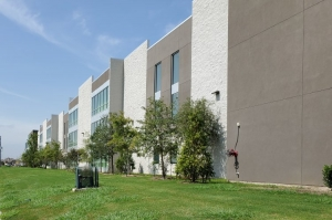 Image of SurePoint Pearland Facility on 3200 Kirby Drive  in Pearland, TX - View 2