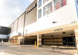 Image of CubeSmart Self Storage - TX Dallas Greenville Avenue Facility on 7557 Greenville Avenue  in Dallas, TX - View 2