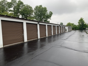 Image of Storage King USA - 054 - Waterford, MI - Highland Rd Facility on 4303 Highland Road  in Waterford Township, MI - View 2