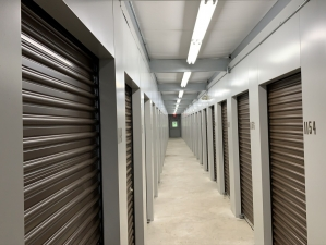 Image of Storage King USA - 054 - Waterford, MI - Highland Rd Facility on 4303 Highland Road  in Waterford Township, MI - View 4