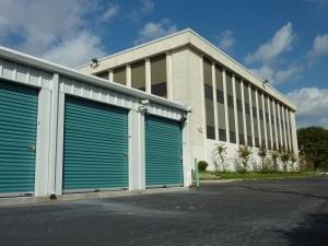 Image of North Loop Self Storage Facility on 1440 North Loop  in Houston, TX - View 3