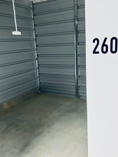 Image of Urban Heights Storage Facility on 6715 Hickman Road  in Des Moines, IA - View 4