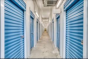 Storage Rentals of America - Northborough - SW Cutoff - Photo 4