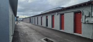 Image of State Storage Winter Haven Facility on 1912 42nd Street Northwest  in Winter Haven, FL - View 2