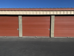 Image of US Storage Centers - Hemet Facility on 1180 North State Street  in Hemet, CA - View 4