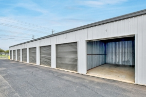 Image of Mount Storage - Seguin Facility on 1419 Fleming Drive  in Seguin, TX - View 4