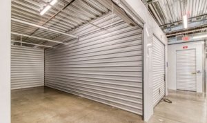 Image of Prime Storage - Phoenix E. Indian School Road Facility on 2020 East Indian School Road  in Phoenix, AZ - View 3