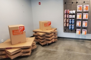 Image of Public Storage - Kansas City - 6650 Troost Ave Facility on 6650 Troost Ave  in Kansas City, MO - View 3