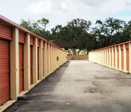 Image of Store Space Self Storage - #1044 Facility on 12225 North 56th Street  in Temple Terrace, FL - View 3