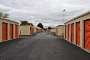 Image of Storage Rentals of America - Oak Creek - W Rawson Ave Facility on 1019 West Rawson Avenue  in Oak Creek, WI - View 2