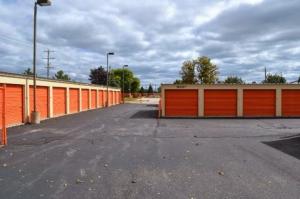 Image of Storage Rentals of America - Oak Creek - W Rawson Ave Facility on 1019 West Rawson Avenue  in Oak Creek, WI - View 4