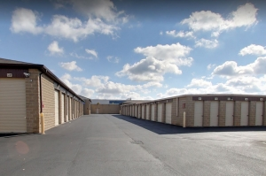 Image of StorageMart - E 146th St & Hwy 37 Facility on 15220 Cumberland Road  in Noblesville, IN - View 2