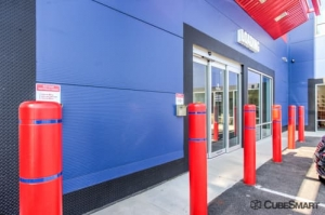 Image of CubeSmart Self Storage - NY Bronx Broadway Facility on 5740 Broadway  in Bronx, NY - View 4
