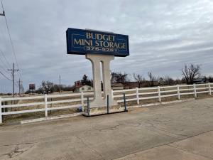 Image of Budget Mini Storage Facility at 816 West State Highway 152  Mustang, OK