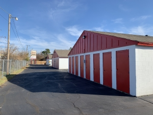 Image of Extra Closet Self Storage Facility on 5980 Nw 36th St  in Oklahoma City, OK - View 4
