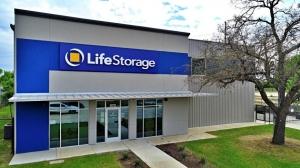 Image of Life Storage - San Antonio - 870 Hot Wells Boulevard Facility on 870 Hot Wells Boulevard  in San Antonio, TX - View 4