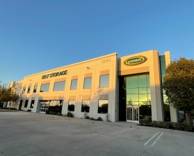 Image of U-Stor-It Vista Facility on 1340 North Melrose Drive  in Vista, CA - View 2