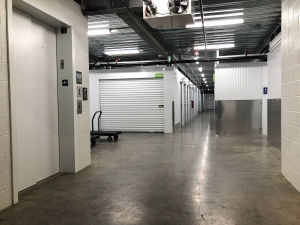 Image of US Storage Centers - Portland - Powell Facility on 6191 Southeast Powell Boulevard  in Portland, OR - View 3