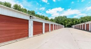 StorageMart - Hwy 60 & Hwy 421 - Photo 4