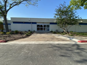 Image of Right Move Storage - Alvin Facility on 301 Medic Lane  in Alvin, TX - View 3
