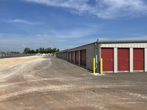 Image of The Locker Room Facility on 1513 South Czech Hall Road  in Yukon, OK - View 2