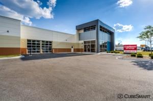 Image of CubeSmart Self Storage - IL Wheaton E Roosevelt Road Facility at 1830 East Roosevelt Road  Wheaton, IL